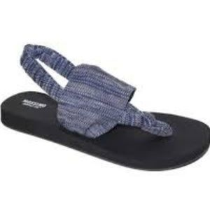 Mossimo Blue Dara Thong Sandals